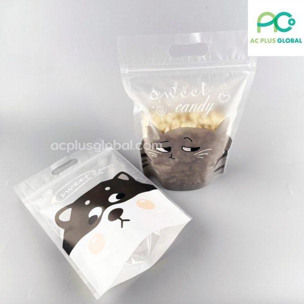ถุงซิปล็อค มีหูหิ้ว ลาย CHIBA ตั้งได้ ขนาด 15.5×23 ซม. (50 ใบ)